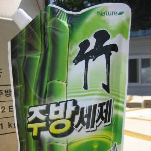 Жидкость для мытья посуды с бамбуком 1кг (Jukjubang 1kg) (запаска)